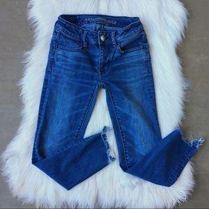 AE Super Stretch Raw Fray Hem Crop Skinny Jeans 00
